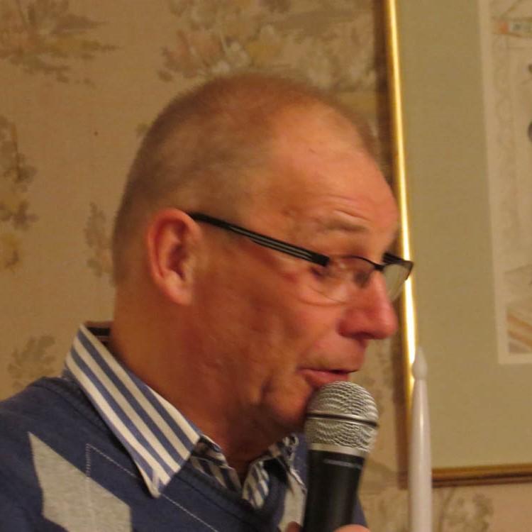 Kassören Hans Lööf redogjorde för föreningens ekonomi.