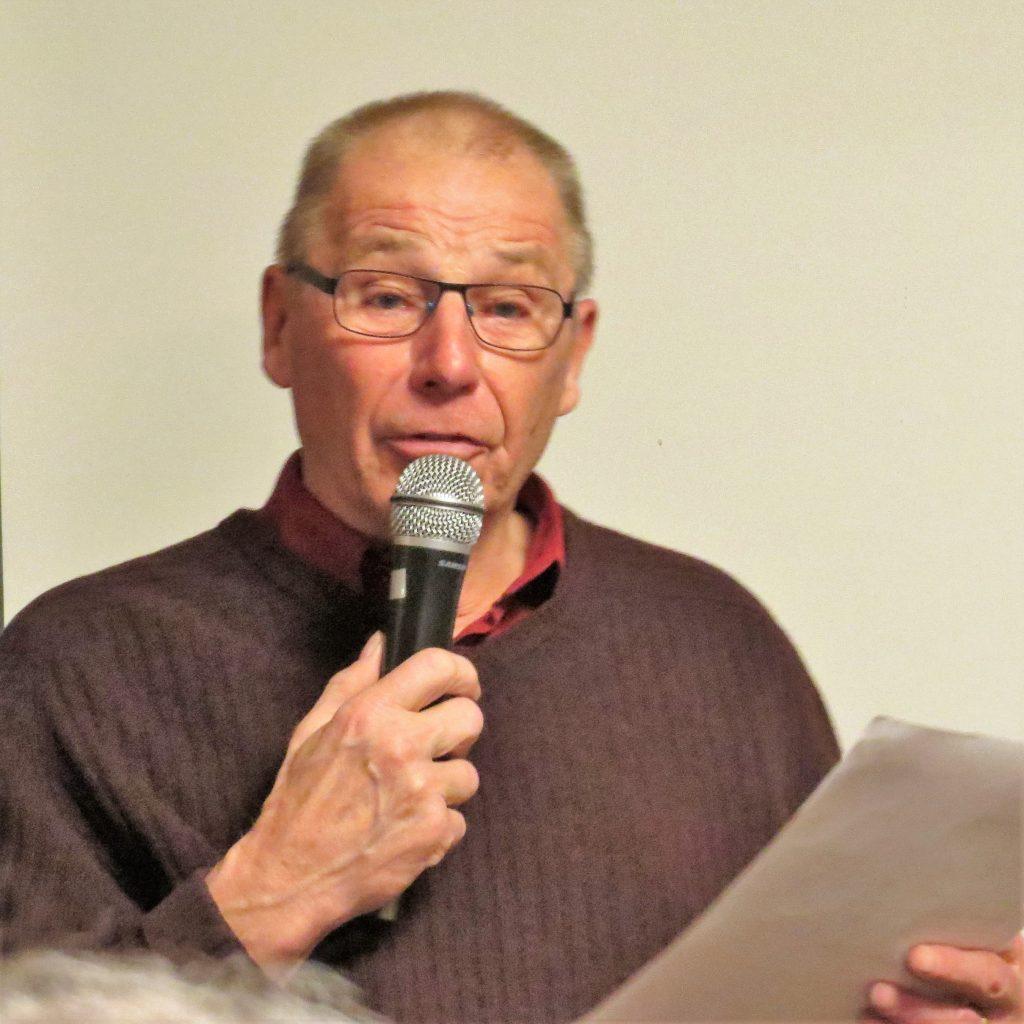 Kassören Hans Lööf redogjorde för det ekonomiska läget.