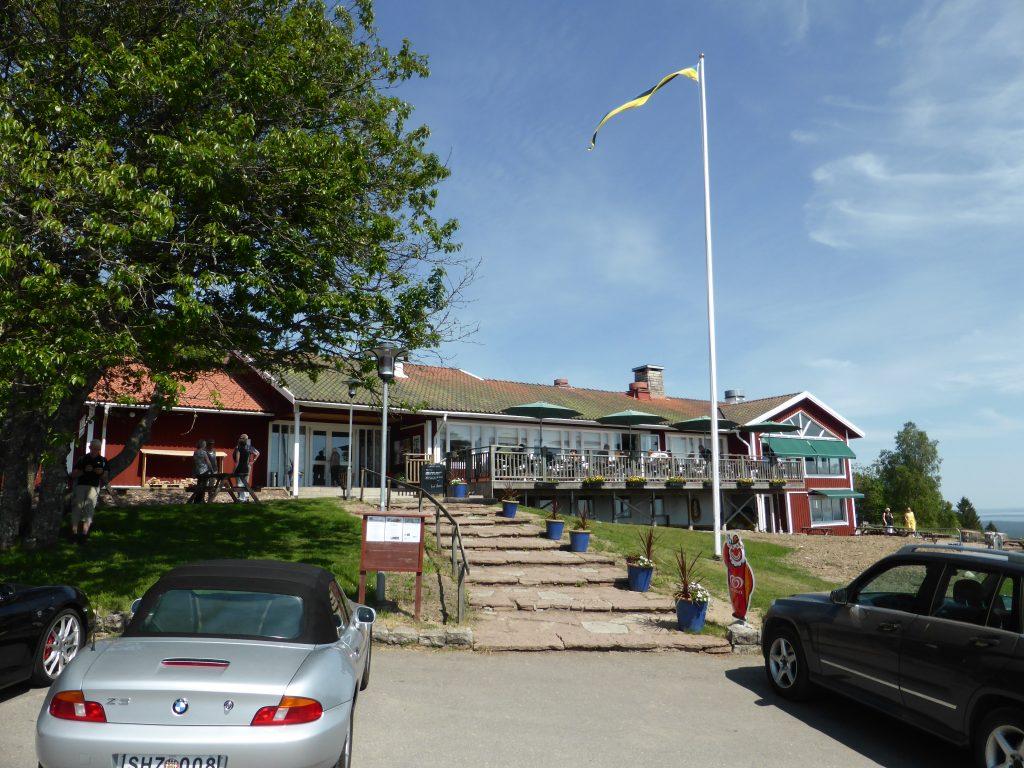 Den välförtjänta lunchen hade vi bokat på Kinnekullegårdens restaurang, som serverade en utmärkt buffé.
