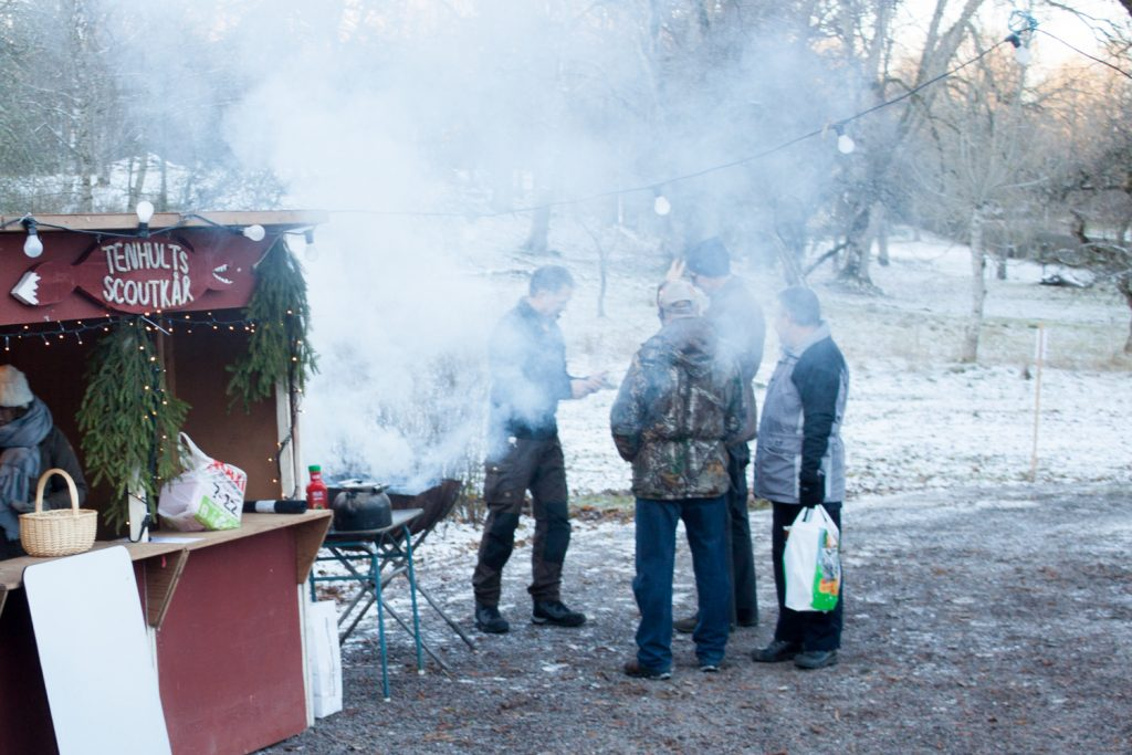 Ska scouterna grilla eller röka korv?