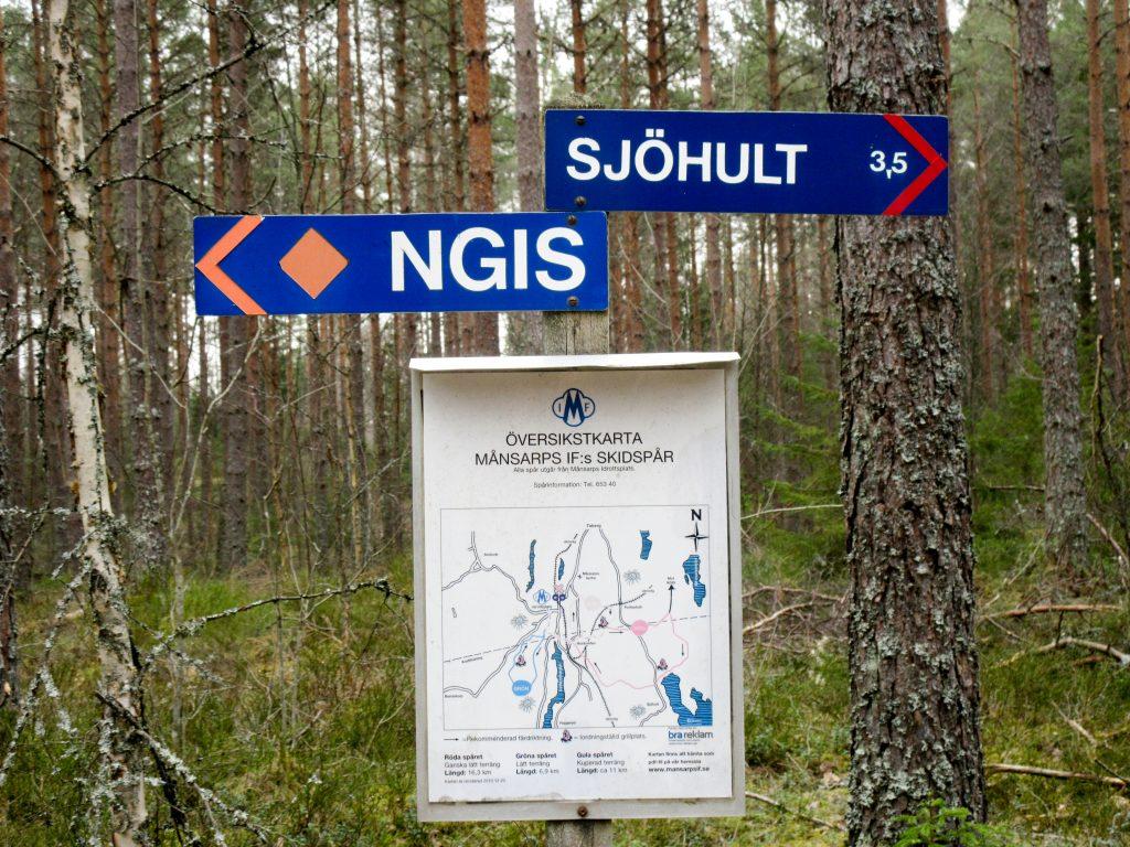 Vandringen gick till stora delar på Månsarp IFs markerade skidspår.