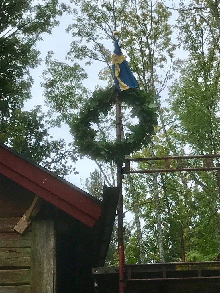 Efter det delmålet belönades vi med krans och svenska flaggan