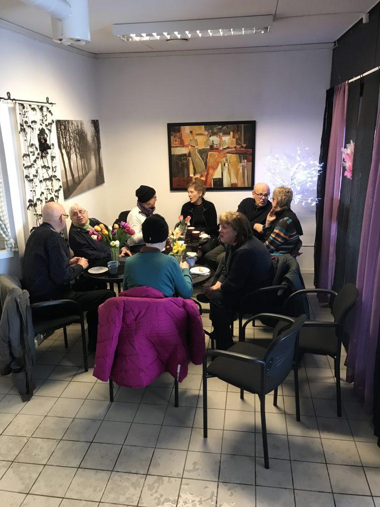 Cafét är inte så stort men alla fick plats och stämningen blev god.