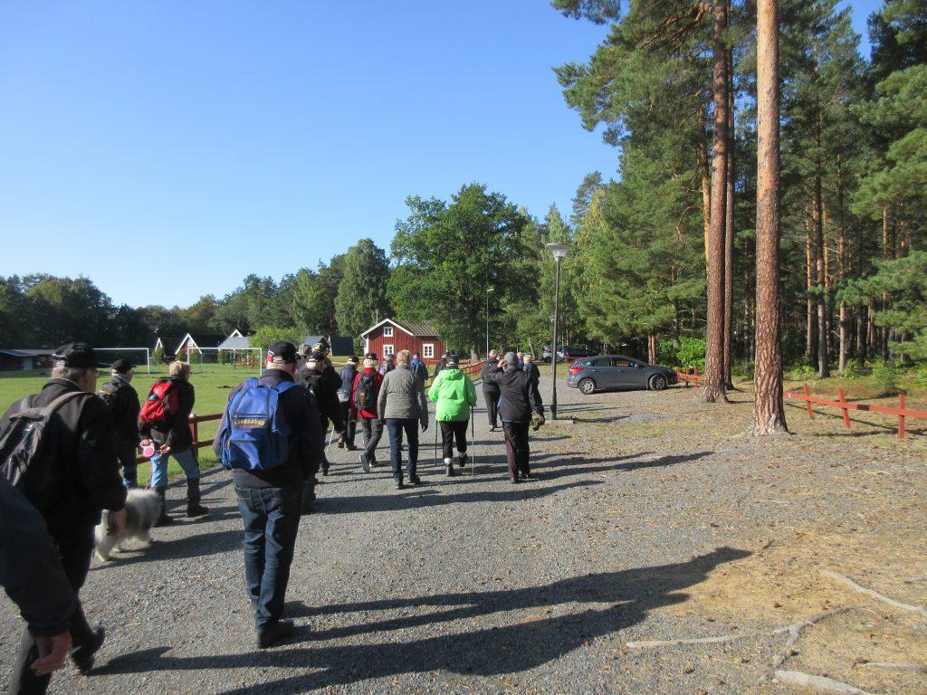 Här passerar vi KFUMs lägergård Vidablick. På gården pågick verksamhet med ungdomsgrupper.