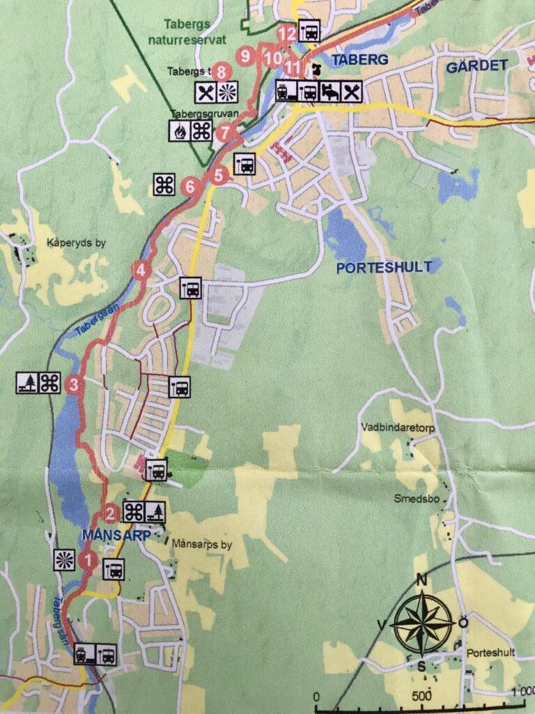 Det är en väl markerad led med mycket sevärdheter. Vi började längst i söder vid Månsarps station och gick till Tabergsgruvan.